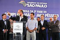 ATENÇÃO EDITOR: FOTO EMBARGADA PARA VEÍCULOS INTERNACIONAIS  - MAUA,SP,23 NOVEMBRO - ALCKMIN INAUGURA VIADUTO  - O governador Geraldo Alckmin inauguou na manha desta sexta-feira, 23, a terceira fase do Complexo Viário Jacu-Pêssego em Mauá.(FOTO: ALE VIANNA -BRAZIL PHOTO PRESS)