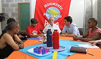 ATENÇÃO EDITOR: FOTO EMBARGADA PARA VEICULO INTERNACIONAL - SÃO PAULO, SP, 19 SETEMBRO 2012 - ELEIÇÕES SÃO PAULO 2012 - GABRIEL CHALITA -  O candidato a prefeitura de São Paulo pelo PMDB Gabriel Chalita durante visita a pastoral do povo de rua na região da Luz no centro da capital paulista nesta quarta feira, 19. (FOTO: LEVY RIBEIRO / BRAZIL PHOTO PRESS)
