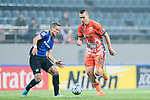 Jeju United Forward Marcelo Toscano (R) fights for the ball with Gamba Osaka Midfielder Ideguchi Yosuke (L) during the AFC Champions League 2017 Group H match Between Jeju United FC (KOR) vs Gamba Osaka (JPN) at the Jeju World Cup Stadium on 09 May 2017 in Jeju, South Korea. Photo by Marcio Rodrigo Machado / Power Sport Images