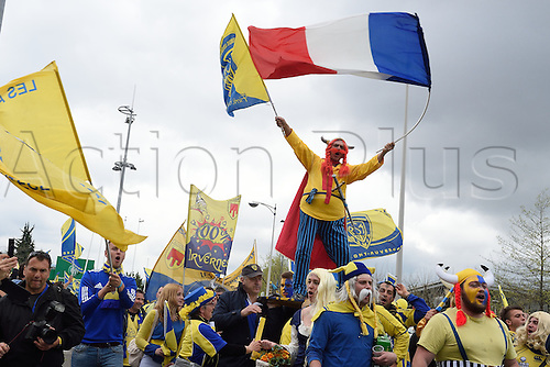 18.04.2015. Clermont-Ferrand, Auvergne, France. Champions Cup rugby semi-final between ASM Clermont and Saracens. Clermont fans in good voice