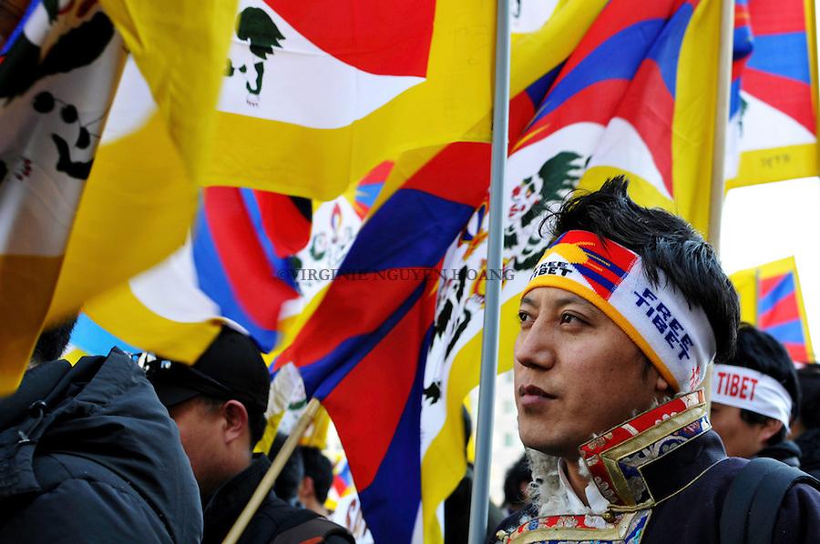 La communauté tibétaine de Bruxelles organisait une manifestation pour le 51ème anniversaire du soulèvement pacifique tibétain de 1959 contre la répression communiste chinoise au Tibet.