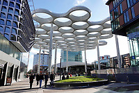 Nederland Utrecht 2018. De Uithof. Glazen overkapping tussen Hoog Catharijne en Station Utrecht CS.  Foto Berlinda van Dam / Hollandse Hoogte