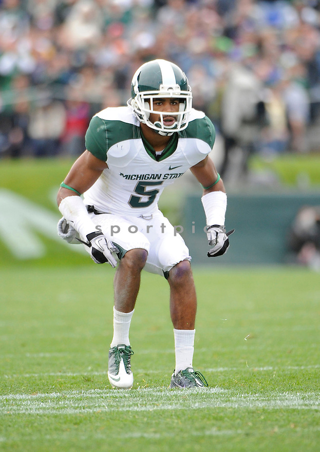 JOHNNY ADAMS, of the Michigan State Spartans, in action during the Spartans game against the Northwestern Wildcats at Ryan Field on October 23, 2010  in Evanston...Michigan State beat Northwestern 35-27.