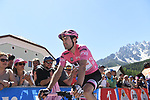 Race leader Maglia Rosa Tom Dumoulin (NED) Team Sunweb at sign on before the start of Stage 19 of the 100th edition of the Giro d'Italia 2017, running 191km from San Candido/Innichen to Piancavallo, Italy. 26th May 2017.<br /> Picture: LaPresse/Fabio Ferrari | Cyclefile<br /> <br /> <br /> All photos usage must carry mandatory copyright credit (&copy; Cyclefile | LaPresse/Fabio Ferrari)