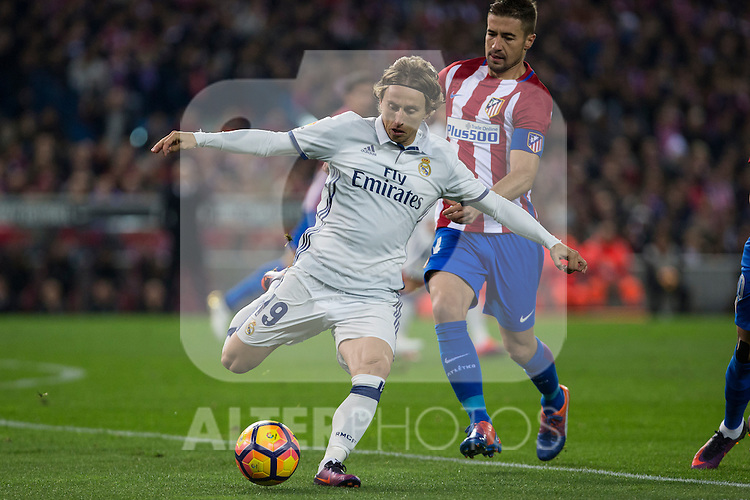 Real Madrid's Luka Modric Atletico de Madrid's Gabi Fernandez during the match of La Liga between Atletico de Madrid and Real Madrid at Vicente Calderon Stadium  in Madrid , Spain. November 19, 2016. (ALTERPHOTOS/Rodrigo Jimenez)