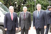 NAPOLI INCONTRO TRA IL .PRESIDENTE DELLA REPUBBLICA FEDERALE TEDESCA JOACHIM GAUCK  PRESIDENTE DELLA REPUBBLICA ITALIANA GIORGIO NAPOLITANO E IL PRESIDENTE DELLA REPUBBLICA  DI POLONIA BROMISLAW KOMOROWSKY.FOTO CIRO DE LUCA