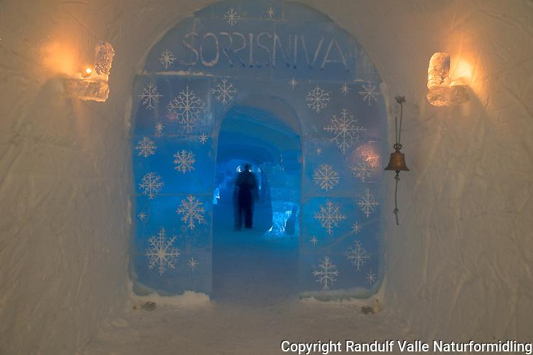 Interiør fra ishotellet i Sorrisniva, Alta. ---- Ice hotel in Sorrisniva, Alta, Norway.