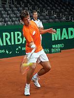 15-9-09, Netherlands,  Maastricht, Tennis, Daviscup Netherlands-France, Training, Igor Sijsling traint onder toeziend oog van captain Jan Siemerink