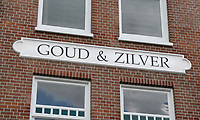 Nederland  Schoonhoven 2017.  Huis in Schoonhoven. Tekst op de gevel : Goud en Zilver.    Foto Berlinda van Dam / Hollandse Hoogte