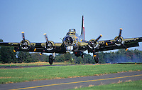 B17, World War 2 bomber, landing, South Jersey Regional Airport, New Jersey