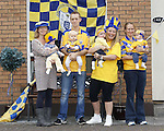 27/09/2013 Clare fans Deirdre and Stella Ryan, Mary Howard and Natalie Ryan, Stephen and Aimee Coote and Leanne and April Dinan at Lissaniska, Claureen, Ennis. Picture: Don Moloney / Press 22