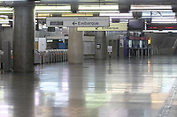 SAO PAULO, SP, 05-06-2014, GREVE METRO. Os metroviarios entraram em greve  a partir da zero hora dessa quinta-feira (5), na foto a estação Sé do Metro.          Luiz Guarnieri/ Brazil Photo Press.