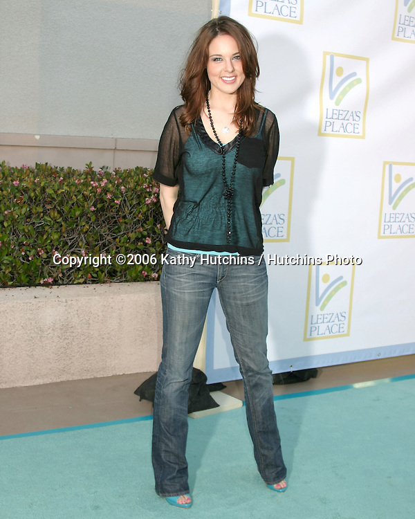 Anna Nalick arriving at the.Leeza's Place Care Centre Opening at the .Assistance League Center.Los Angeles, CA.April 21, 2006.©2006 Kathy Hutchins / Hutchins Photo....
