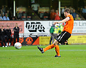 :: DUNDEE UTD'S JON DALY SCORES FROM THE SPOT ::