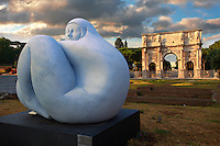 Modern sculpture by Jmenez Deredia next to The Arch Of Constantine . Rome