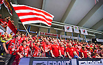 Eskilstuna 2014-05-15 Handboll SM-semifinal Eskilstuna Guif - Alings&aring;s HK :  <br /> Eskilstuna Guif publik med en flagga<br /> (Foto: Kenta J&ouml;nsson) Nyckelord:  Eskilstuna Guif Sporthallen Alings&aring;s AHK SM Semifinal Semi supporter fans publik supporters