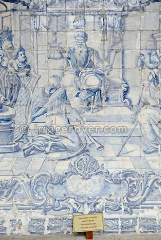 "Brazil, Bahia, Salvador: Azulejo, a portuguese ceramic tilework, in the church Igreja e Convento de São Francisco illustrating the saying ""Money is Master"" (Tudo Obedece Ao Dinheiro, Geld regiert die Welt, Tout Obeit A L'Argent). --- No signed releases available."