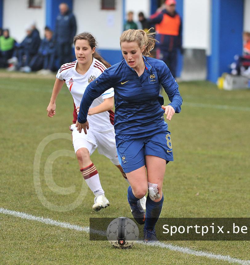 France U19 - Russia U19 : Sandie Toletti has the ball before Russian defender Anastasia Konyukhova (7).foto DAVID CATRY / Nikonpro.be