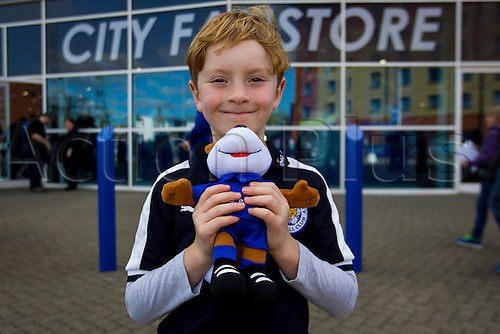 26.09.2015. Leicester, England. Barclays Premier League. Leicester City versus Arsenal.  A young Leicester City fan pictured before kick-off.