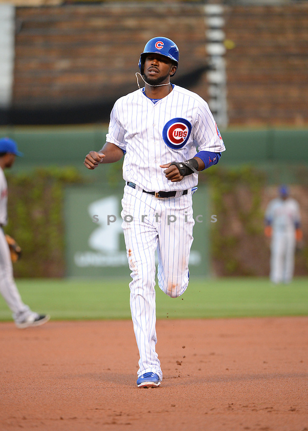 Chicago Cubs Dexter Fowler (24) during a game against the New York Mets on May 11, 2015 at Wrigley Field in Chicago, IL. The Cubs beat the Mets 4-3.