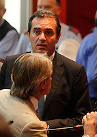 il sindaco di Napoli Luigi de Magistris  durante una seduta del consiglio comunale di napoli