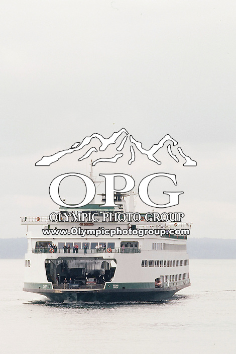 The Washington State ferry Tacoma makes it's way from Bremerton to Seattle, Washington.