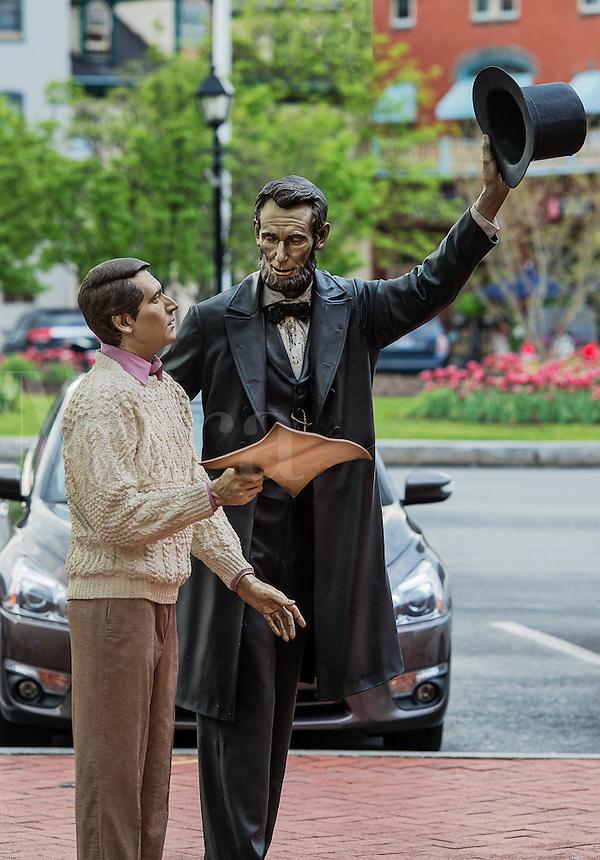 """""""Return Visit"""" Lincoln statue located in Lincoln Square, Gettysburg, Pennsylvania, USA"""