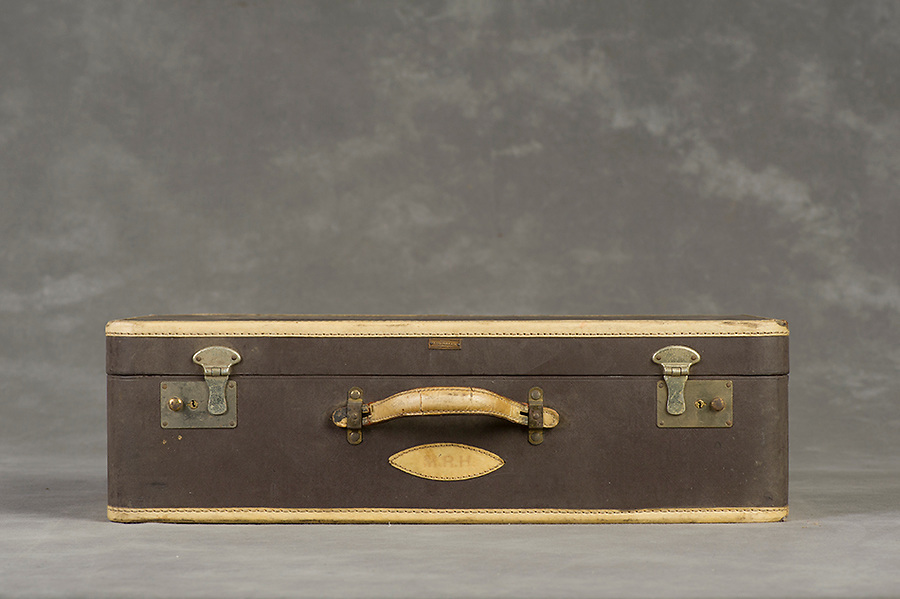 Willard Suitcases / Mary Ruth H / ©2014 Jon Crispin