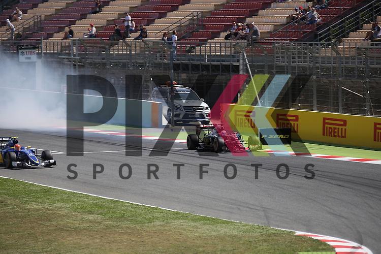 Barcelona, 10.05.15, Motorsport, Formel 1 GP Spanien 2015, Qualifying :<br /> <br /> Foto &copy; P-I-X.org *** Foto ist honorarpflichtig! *** Auf Anfrage in hoeherer Qualitaet/Aufloesung. Belegexemplar erbeten. Veroeffentlichung ausschliesslich fuer journalistisch-publizistische Zwecke. For editorial use only.