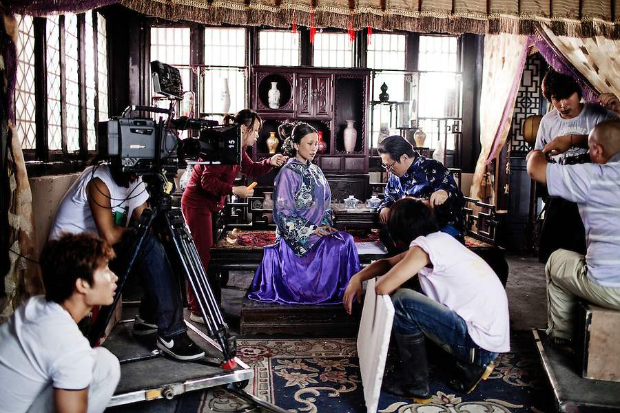 Hengdian World Studios,The film studio is the world's largest and features a 1:1 scale reproduction of the Forbidden City in Beijing, During the shooting of a Tv serial showing the old chinese empire