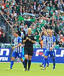 10.09.2017, OLympiastadion, Berlin, GER, 1.FBL, Hertha BSC VS. SV Werder Bremen, im Bild <br /> Vladimir Darida (Hertha BSC Berlin #6), Per Skelbred (Hertha BSC Berlin #3), Schiedsrichterin  Bibiane Steinhaus<br /> <br /> <br />       <br /> Foto &copy; nordphoto / Engler