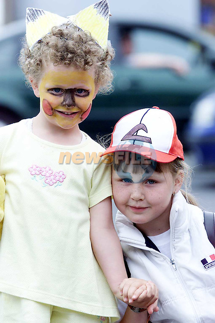 Leanne Martin and Dione Binx from Ardee at the Fancy Dress copmetition in the Square, Ardee..Picture Paul Mohan Newsfile.