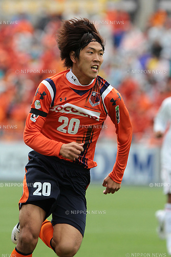 Kim Young-Gwon (Ardija),.APRIL 23, 2011 - Football :.2011 J.League Division 1 match between Omiya Ardija 0-1 Kashiwa Reysol at NACK5 Stadium Omiya in Saitama, Japan. (Photo by Hiroyuki Sato/AFLO)