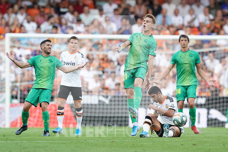 Valencia CF's Kevin Gameiro (2l) and Gonzalo Guedes (2r) and Real Sociedad's Mikel Merino (l), Martin Odegaard (c) and Robin Le Normand during La Liga match. August 17,2019. (ALTERPHOTOS/Acero)