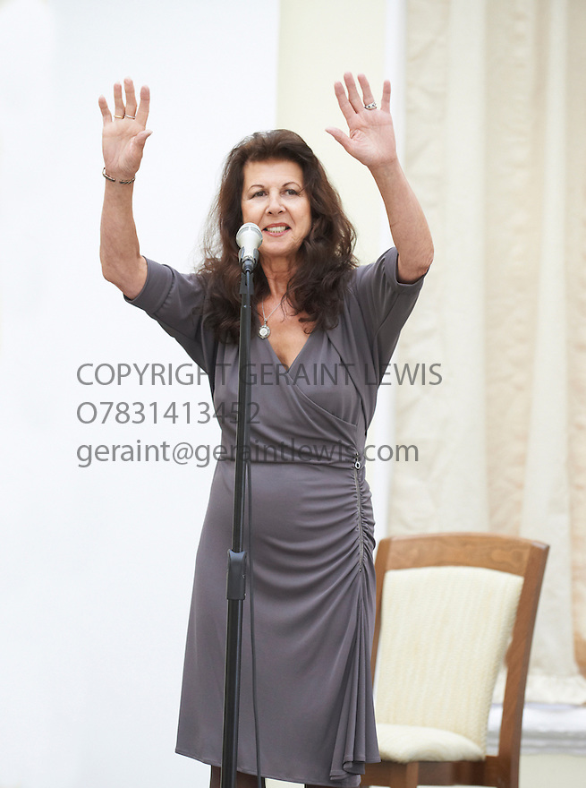 Elkie Brooks , singer who has written her autbiography Finding My Voice  at The Blenheim Palace Literary Festival at Woodstock    . Credit Geraint Lewis