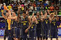 MEDELLÍN - COLOMBIA, 25-08-2017: Jugadores de Colombia salludan a su público después del partido entre Brasil y Colombia de la fase de grupos, grupo A, de la FIBA AmeriCup 2017 jugado en el coliseo Iván de Bedout de la ciudad de Medellín.  El AmeriCup 2017 se juega  entre el 25 de agosto y el 3 de septiembre de 2017 en Colombia, Argentina y Uruguay. / Players of Colombia greet their public after the match between Brazil and Colombia of the group stage Group A of the FIBA AmeriCup 2017 played at Ivan de Bedout  coliseum in Medellin. The AmeriCup 2017 is played between August 25 and September 3, 2017 in Colombia, Argentina and Uruguay. Photo: VizzorImage / León Monsalve / Cont