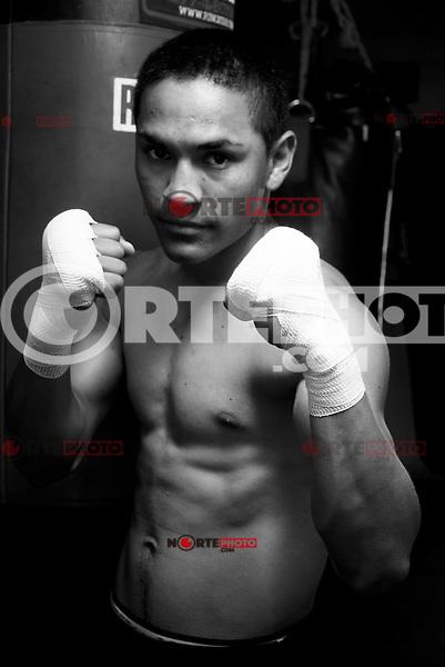 Juan Francisco Gallo Estrada,Mexican professional boxer