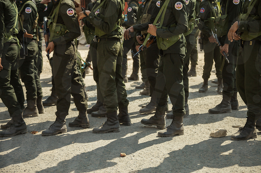 03 January, 2014 - Phnom Penh. Military police armed with Kalashnikov are lined after the clashes. © Thomas Cristofoletti / Ruom 2014