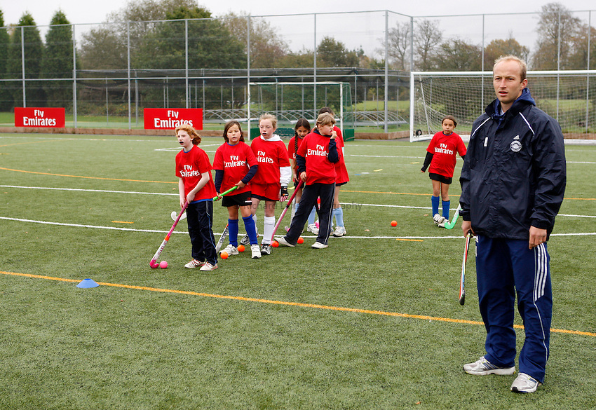 Photo: Richard Lane/Richard Lane Photography. East Grinstead Hockey Club. 06/11/2011.