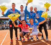 Simpeled, Netherlands, 19 June, 2016, Tennis, Playoffs Eredivisie Men, Champions team Nieuwekerk celebrate their victory<br /> Photo: Henk Koster/tennisimages.com