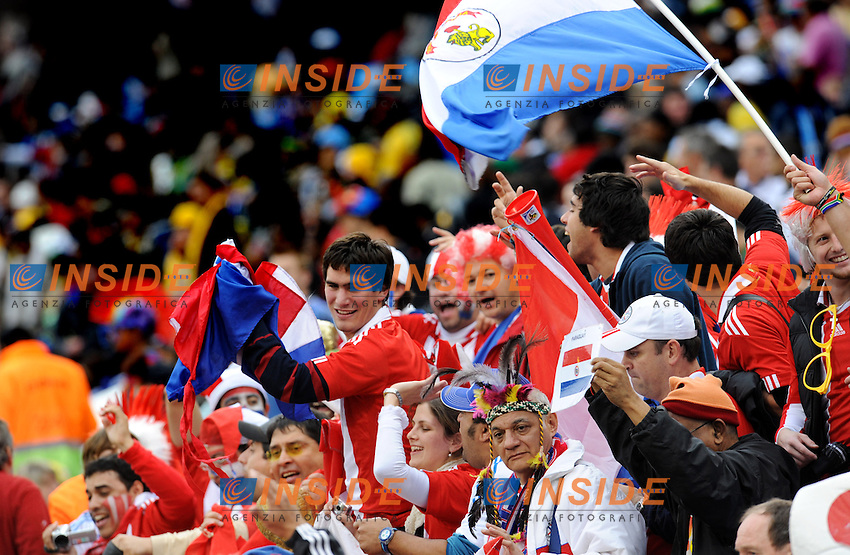 Tifosi Supporters del Paraguay<br /> Paraguay Giappone 5-3 - Paraguay Japan 5-3<br /> Campionati del Mondo di Calcio Sudafrica 2010 - World Cup South Africa 2010<br /> Loftus Versfeld Stadium, Tshwane Pretoria 29 / 06 / 2010<br /> &copy; Giorgio Perottino / Insidefoto