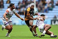 Nizaam Carr of Wasps takes on the Leicester Tigers defence. Gallagher Premiership match, between Wasps and Leicester Tigers on September 16, 2018 at the Ricoh Arena in Coventry, England. Photo by: Patrick Khachfe / JMP