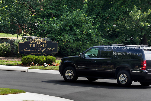 US President Donald J. Trump's motorcade arrives at the Trump National Golf Club in Sterling, Virginia, USA, 25 June 2017. President Trump hit the links on average more than once per week in his first 100 days in office<br /> Credit: Jim LoScalzo / Pool via CNP