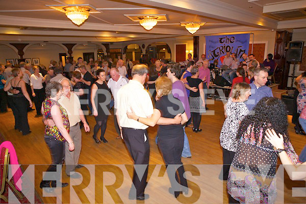 Dancers enjoying a special celie weekend last Saturday night in The Devon Inn, Templeglantine.