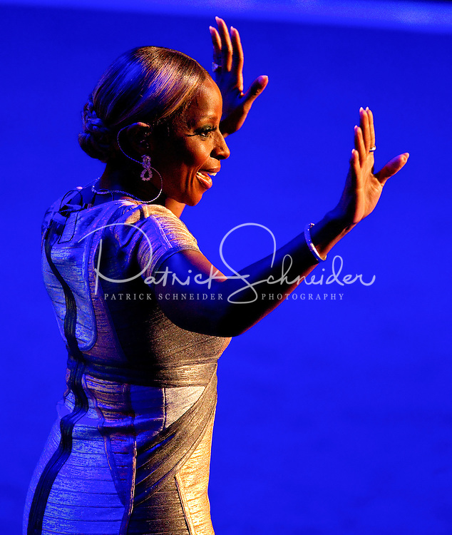 Singer Mary J. Blige performs at the Democratic National Convention at Time Warner Cable Arena in Charlotte, N.C.