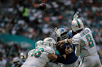 MIAMI, FL, 21.10.2018 – DOLPHINS-LIONS – Jogador Osweiler do Miami, durante partida válida pela sétima semana da temporada regular da NFL, no Hard Rock Stadium, na tarde deste domingo (21). (Foto: Jayson Braga / Brazil Photo Press)