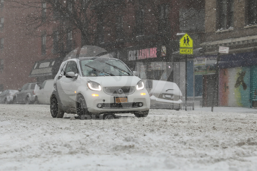 NOVA YORK, EUA, 04.01.2018 - NEVASCA-EUA - Forte nevasca atinge a Ilha de Manhattan em New York nos Estados Unidos nesta quinta-feira, 04. (Foto: Vanessa Carvalho/Brazil Photo Press)