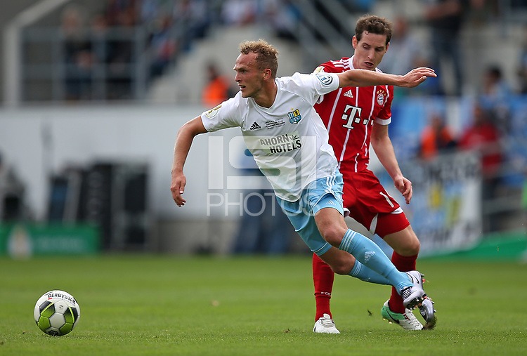 12.08.2017, Football DFB Pokal 2017/2018, 1. round, Chemnitzer FC - FC Bayern Muenchen, stadium an Gellertstrasse.  Julius Reinhardt (Chemnitzer FC)  -  Sebastian Rudy (Bayern Muenchen)  *** Local Caption *** &copy; pixathlon<br /> <br /> +++ NED + SUI out !!! +++<br /> Contact: +49-40-22 63 02 60 , info@pixathlon.de