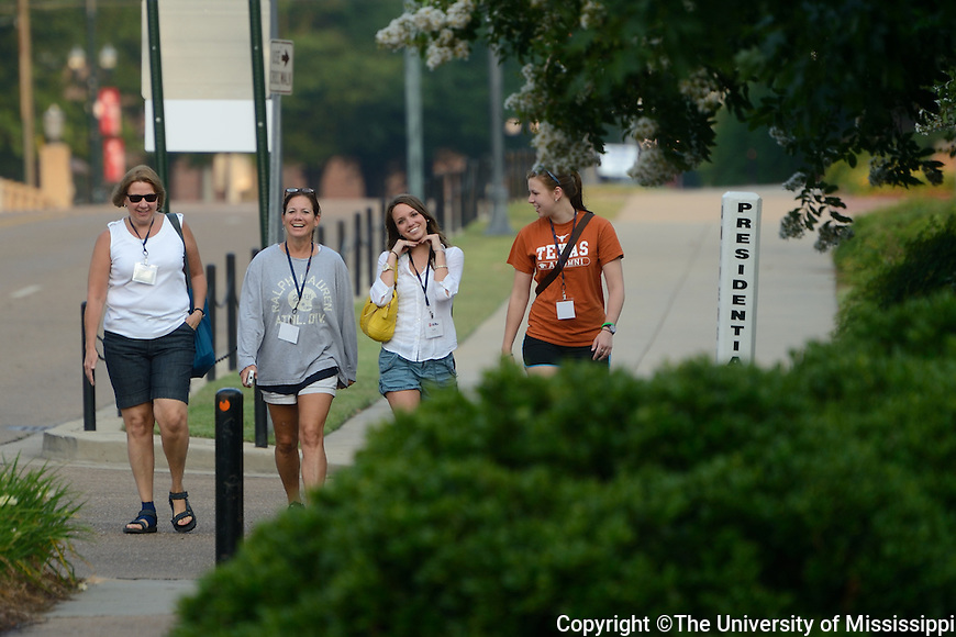 Honors Orientation Day 2 Jump-Start Your Day: Morning Walk.  Photo by Kevin Bain/Ole Miss Communications