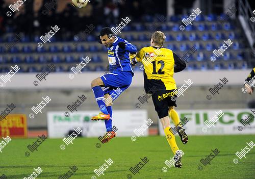 2013-01-12 / Voetball / seizoen 2012-2013 / Turnhout - Brakel / Kamel Youssef (l, KVT) met Stijn Antheunis..Foto: Mpics.be